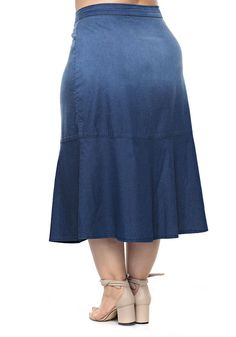 Plus Size Jeans, Plus Size Skirts, Sewing Lessons, Fashion Outfits, Womens Fashion, Chambray, Midi Skirt, Fashion Looks, African