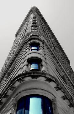 Chpt 21: Chicago School: flat iron building (fuller building) 1901-1903; New York City, New York by Daniel Burnham