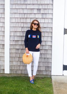 Preppy sweater and straw bag Preppy Summer Outfits, Preppy Sweater, Prep Style, Classic Outfits, Classic Clothes, Sweater Design, One Piece Swimwear, Womens Fashion, Sweaters
