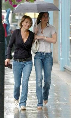 A great informal shot of The Duchess of Cambridge's mother Carole Middleton, & the Duchess, Kate Middleton.