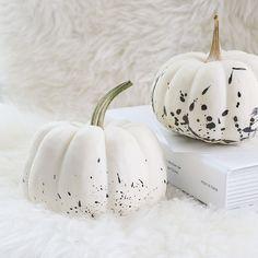 ちょっとだけハロウィン 墨汁で作るモノトーンかぼちゃで大人ディスプレイ