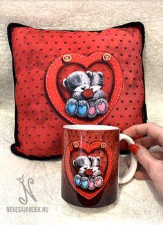 Valentin napi ajándék - nevesajandek.hu #valentinnapiajándék #évfordulósajándék Valentino, Mugs, Tableware, Pink, Dinnerware, Tumblers, Tablewares, Mug, Dishes