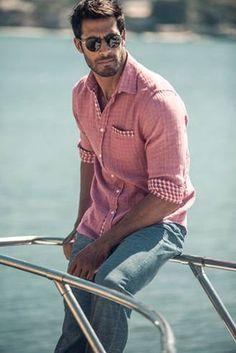 """""""❀ Beto Malfacini  www.easygoingfuture.tumblr.com/""""  Nota Pessoal: Lindo em contraste com o Oceano!!"""