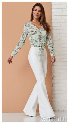 Elegância. Office Outfits, Casual Outfits, Fashion Outfits, Womens Fashion, Professional Outfits, Work Attire, Feminine Style, Work Fashion, Spring Summer Fashion