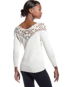 Sobresaliente Crochet: Más allá de la vendimia. Sudadera blanca con adornos de ganchillo.