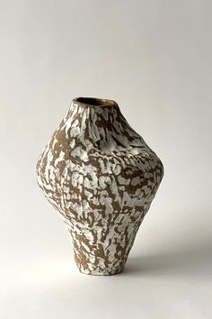 Ceramic Decor, Ceramic Vase, Ceramic Pottery, Pottery Art, Clay Projects, Clay Crafts, Ceramic Texture, Hand Built Pottery, Clay Figurine