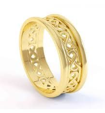 Irish wedding rings would express your feelings in the best possible way and …, … … - İrische Eheringe Irish Wedding Rings, Wedding Rings Sets Gold, Wedding Rings For Women, Wedding Band, Silver Rings, Mens Ring Designs, Gold Ring Designs, Gents Gold Ring, Stone Rings For Men