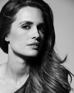 Torrey Devitto (Pretty Little Liars) Melissa Hastings, Torrey Devitto, Black And White People, Chicago Med, Reality Tv, Pretty Little Liars, Beauty Photography, Pretty People, Pretty Woman
