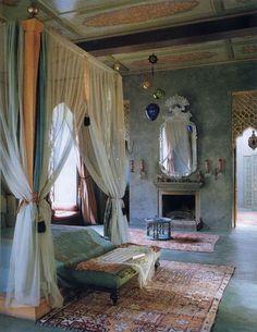 Moroccan bedroom, tones of pink and green, Bohemian bedroom decor Bohemian Bedrooms, Coastal Bedrooms, Trendy Bedroom, Bedroom Simple, Indian Style Bedrooms, Moroccan Inspired Bedroom, White Bedrooms, Moroccan Interiors, Moroccan Decor