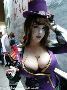 Character: Mad Moxxi / From: 2K Games & Gearbox Software's 'Borderlands' Series / Cosplayer: Unknown