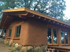 Mud House, House Roof, Village House Design, Village Houses, Cob House Interior, Cob House Plans, Bamboo House Design, Earthship Home, African House