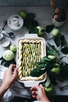 Yummy apple pie recipe using frozen crust seasonal favorites and other ideas for this week. Apple Pie Recipes, Tart Recipes, Sweet Recipes, Dessert Recipes, Cooking Recipes, Mousse Au Chocolat Torte, Perfect Apple Pie, Decoration Patisserie, Cookies Et Biscuits
