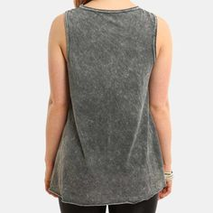 T-Shirt Rib Cage Muscle