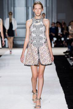 Spring 2015 RTW : Paris Fashion Week : Giambattista Valli