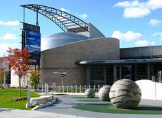 Ontario Science Centre is a science museum in Toronto, Ontario, Canada, near the Don Valley Parkway about 11 kilometres northeast of downtown on Don Mills Road just south of Eglinton Avenue East.