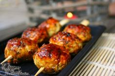 boulettes-yakitori-au-poulet Genre, Tandoori Chicken, Good Food, Ethnic Recipes, Dumplings, Fun Recipes, Food, Kitchens, Healthy Food