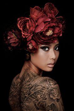 Flowers in her hair, photo by Malians Shoebox, model Siti