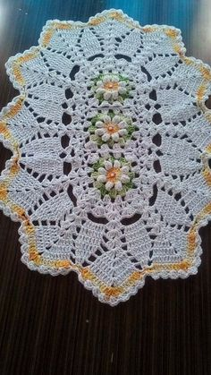 This Pin was discovered by Kat Crochet Bobble, Crochet Art, Filet Crochet, Crochet Doilies, Hand Crochet, Doily Patterns, Crochet Patterns, Crochet Table Runner, Crochet Home Decor