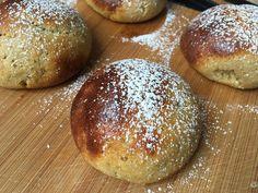 Lavkarbo   Saftige boller - gjærbakst Pan Dulce, Cottage Cheese, Lchf, Hamburger, Bread, Curiosity, Food, Lattices, Brot