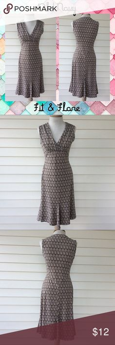 Old Navy Fit & Flare Dress Pretty neutrals and never need to iron!! Old Navy Dresses