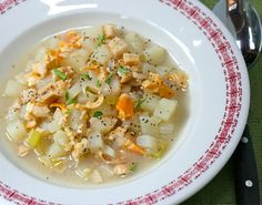 "Traditional Rhode Island ""chowda"" has a clear broth, although many also like the New England style, with milk."