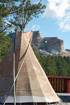 Crazyhorse monument, S. Places To See, Places Ive Been, Crazy Horse, Founding Fathers, Women's Jewelry, South Dakota, Native Americans, Vacation Destinations, Outdoor Gear