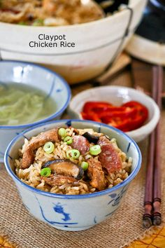 Claypot Chicken Rice is a delicious one-pot meal that can be easily prepared at home. The addition of mushrooms and Chinese sausage makes it even tastier. Claypot Rice Recipe, Claypot Recipes, Claypot Chicken Rice, Lunch Recipes, Easy Dinner Recipes, Cooking Recipes, Rice Recipes, Couscous Recipes, Malaysian Cuisine