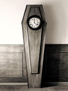 This amazingly creative photos are product of Spanish photographer called Chema Madoz. Jose Maria Rodriguez Madoz (born better known as Chema Victorian Conservatory, Conservatory Design, Victorian Bedroom, Victorian Gothic, Gothic Mansion, Gothic Lolita, The 1900 House, Poesia Visual, Grandfather Clock