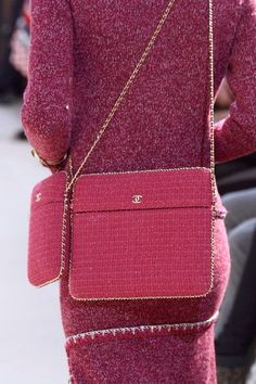 Chanel, Fall 2016 - The Most Fabulous Fall '16 Runway Purses - Photos http://www.livingly.com/The+Most+Fabulous+Fall+'16+Runway+Purses/articles/Q0Tvopa-zXW/Chanel+Fall+2016