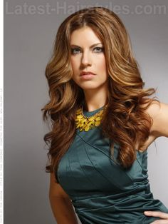 11 Best Fall Hair Color Ideas of 2018 Mew hair color? Long Honey Colored Wavy Hair - auburn base with soft honey and caramel strandsMew hair color? Long Honey Colored Wavy Hair - auburn base with soft honey and caramel strands Face Shape Hairstyles, Girl Hairstyles, Fall Hair Colors, Oval Faces, Auburn Hair, Latest Hairstyles, Hair Today, Hair Dos, Hair Lengths
