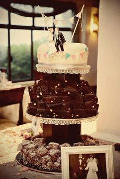 Wedding cake :carrot cake with cream cheese + fondant icing, Brownies, Redvelvet Lamingtons with cream cheese icing centre