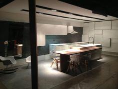 Esta es la cocina expuesta por nuestro cliente ARTIAD L'ORGUEIL DES SENS en la Feria Internacional de Montpellier con nuestra campana extractora ONNA realizada con el nuevo material DuPont™ Corian®