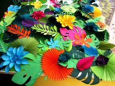 Hawaiian Party Paper Leaves and Flowers Backdrop - Hawaiian Party Paper Leaves and Flowers Backdrop Tropical Party Decorations – Hawaiian Party Decor – Hawaiian Birthday – Jungle Baby Shower Decorations – Luau Party Decoration – Papier Deco Paper Leaves, Paper Flowers, Diy Flowers, Tissue Flowers, Wedding Flowers, Diy Paper, Paper Crafts, Tissue Paper, Deco Jungle