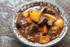 Beef short-ribs, slow cooked and braised in brown ale.  A hearty winter stew. Slow Cooker Short Ribs, Short Rib Stew, Beef Short Ribs, Crockpot Recipes, Soup Recipes, Cooking Recipes, Lamb Recipes, Ale Recipe, Lard