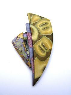 x Polymer Brooch with pearlescent and opaque mokume gane, from Tory's Reef Brooch series, part of her Moorea line. Polymer Clay Kunst, Polymer Clay Pendant, Polymer Clay Beads, Precious Metal Clay, Clay Design, Paperclay, Clay Tutorials, Vintage Diamond, Texture