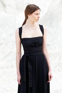 new evening dress photography by Verena Mandragora Minimalist Fashion, Evening Dresses, Classic, Photography, Fashion Design, Black, Women, Evening Gowns, Black People