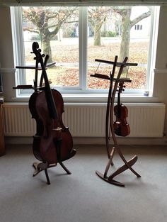 The Jolly is the fusion between a lectern and an instrument stand in wood with a proprietary design Cello Art, Cello Music, Violin Sheet Music, Violin Stand, Music Stand, Cellos, Viola Instrument, Violin Lessons, House Blueprints