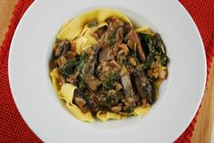 Could be a good meal for Friday's during Lent! Portobello and Spinach Stroganoff Recipe - 6 Points + - LaaLoosh