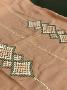 Moroccan Caftan, Bargello, Indian Outfits, Costumes, Embroidery, Suits, Summer, Art, Fashion