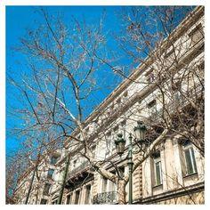 6 λόγοι που αγαπάω την Αθήνα - Little Hope Flags Tin, Louvre, Building, Travel, Viajes, Pewter, Buildings, Destinations, Traveling