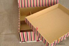 Essa semana preparei com muito carinho uma caixa para guardar bijouterias.A caixa foi planejada para dois espaços, um inferir com várias divisórias para brincos e anéis e um superior liso para guardar colares e pulseiras.Toda a peça foi confeccionada com tecido 100% algodão.Para encomendas basta enviar um email para ola@ateliefofurices.com.brPara visualizar nosso catálogo de estampas basta acessar nosso pinterest.