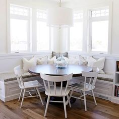 I Never Met A Dining Nook I Didnu0027t Like. Love This One I · Round Dining  Room TablesDining Room ChairsRound ...