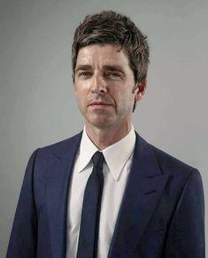 Liam And Noel, Liam Gallagher, Gq Magazine, Music Pictures, Film Books, Music Film, Picture Design, Beautiful Boys, Oasis