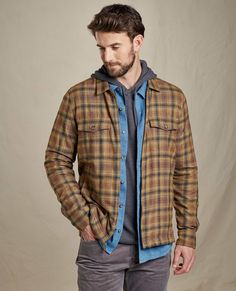 Mens Outdoor Fashion, Mens Fashion Uk, Hipster Fashion, Rustic Mens Fashion, Dressy Casual Outfits, Layering Outfits, Flannel Shirt Outfit, Shirt Jacket, Bohemian Style Men