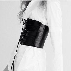 Black Leather Waist Cincher Harnais, Mode Femme, Accessoires, Haute  Couture, Accessoires De 0f7c0826488