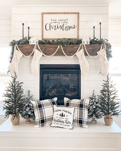 You can add warmth and charm to your home with the help of various fireplace farmhouse decor ideas. The fireplace designs will suit well for the small area and can be a source of pleasure and entertainment during chilly winter… Continue Reading → Christmas Farm, Farmhouse Christmas Decor, Christmas Mantels, Merry Little Christmas, Rustic Christmas, All Things Christmas, Farmhouse Decor, Christmas Holidays, Farmhouse Fireplace