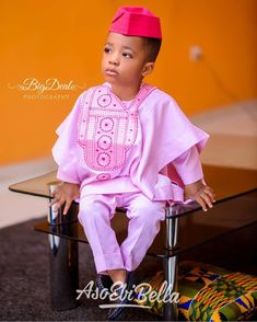 An is a wedding guest {bella} looking stunning in aso-ebi – the fabric/colors of the day, at a - AsoEbi Bella. Baby African Clothes, African Dresses For Kids, African Clothing For Men, African Shirts, Cute Baby Clothes, Latest African Wear For Men, Latest African Fashion Dresses, African Men Fashion, Black Kids Fashion