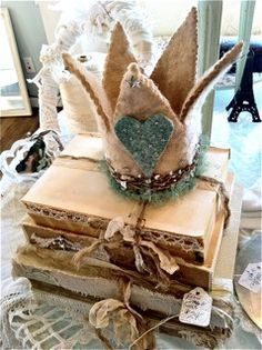 One of jeanne's crowns ~ You mean there are more? My goodness this one is (to me) a Pict Crown if I ever saw one ~ Lovely work and great imagination  <3
