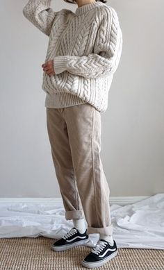 Pin by kana on レディース ファッション Tomboy Fashion, Fashion Moda, Look Fashion, Korean Fashion, Fashion Outfits, Womens Fashion, Girl Fashion, Jeans Und Vans, Fall Winter Outfits