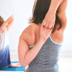 11 Natural Treatments for Rotator Cuff Pain Best Rotator Cuff Exercises Natural Add Remedies, Natural Treatments, Natural Healing, Herbal Remedies, Cold Remedies, Natural Oil, Holistic Healing, Different Types Of Arthritis, Heal Cavities